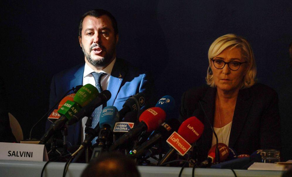 Foto: La ultraderechista francesa Marine Le Pen (d) y el ministro italiano del Interior, Matteo Salvini (i), ofrecen una rueda de prensa en Roma. (EFE)