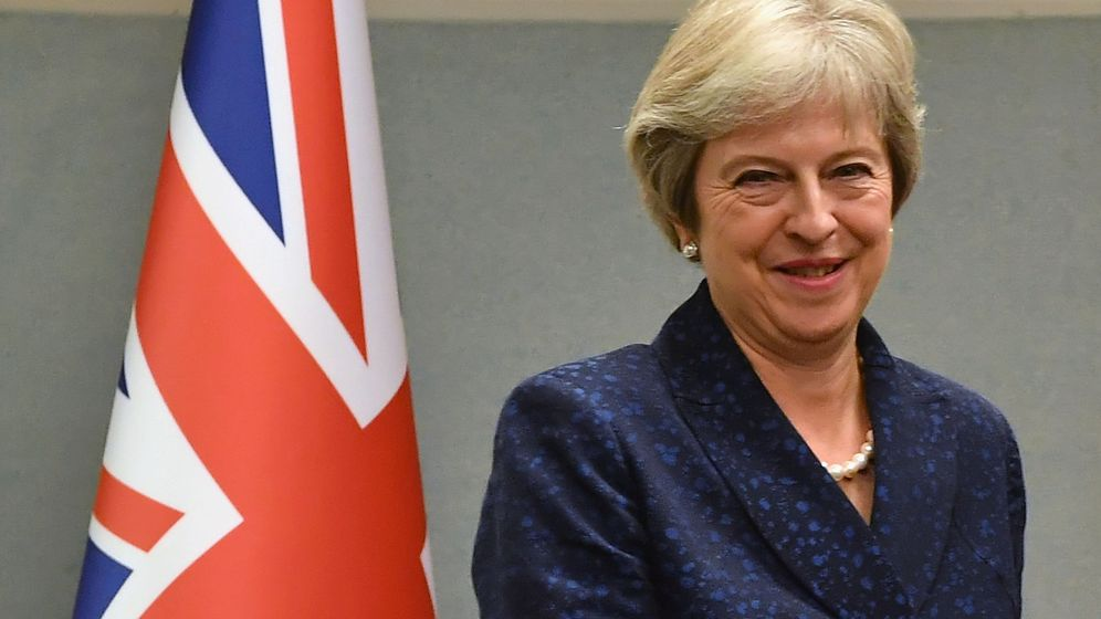 Foto: La canciller May podría inspirarse en su predecesor, Major, para salvar el Brexit (y el pellejo) (REUTERS)