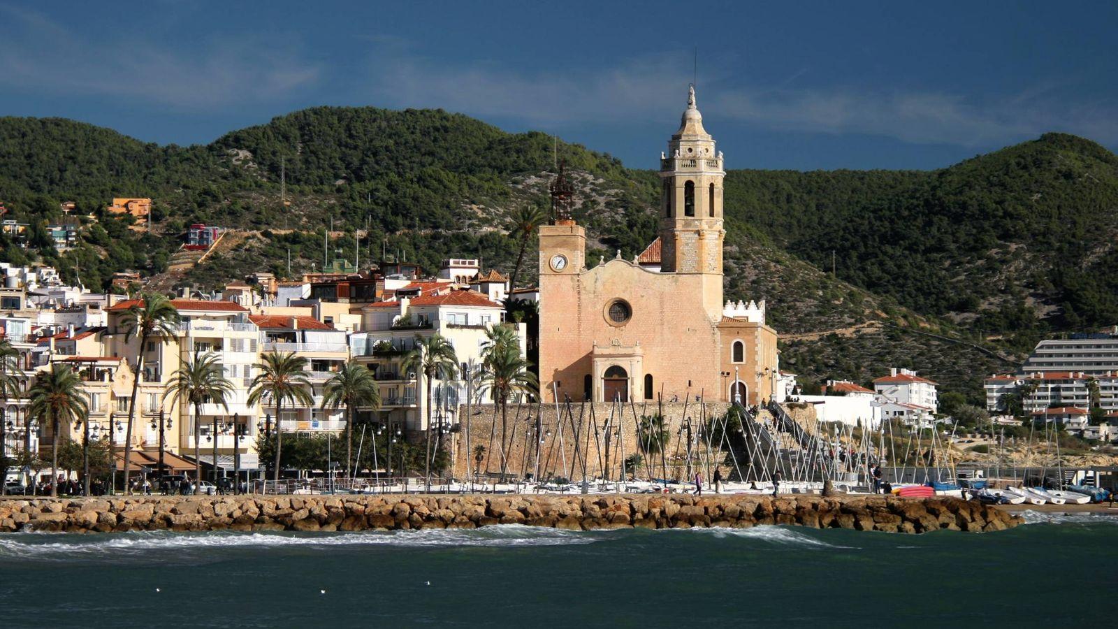 Foto: Iglesia de San Bartolomé y Santa Tecla en Sitges. (Jorge Franganillo)
