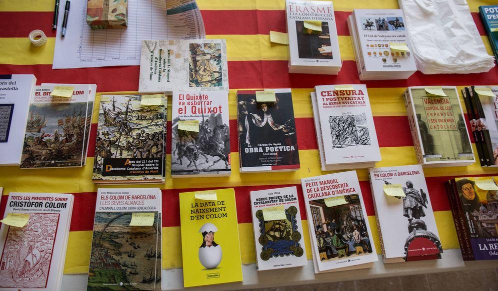 Foto: Parte de la bibliografía del Institut Nova Història. (David Brunat)