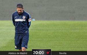 Cholo pasa examen en el Calderón en pleno debate sobre su juego