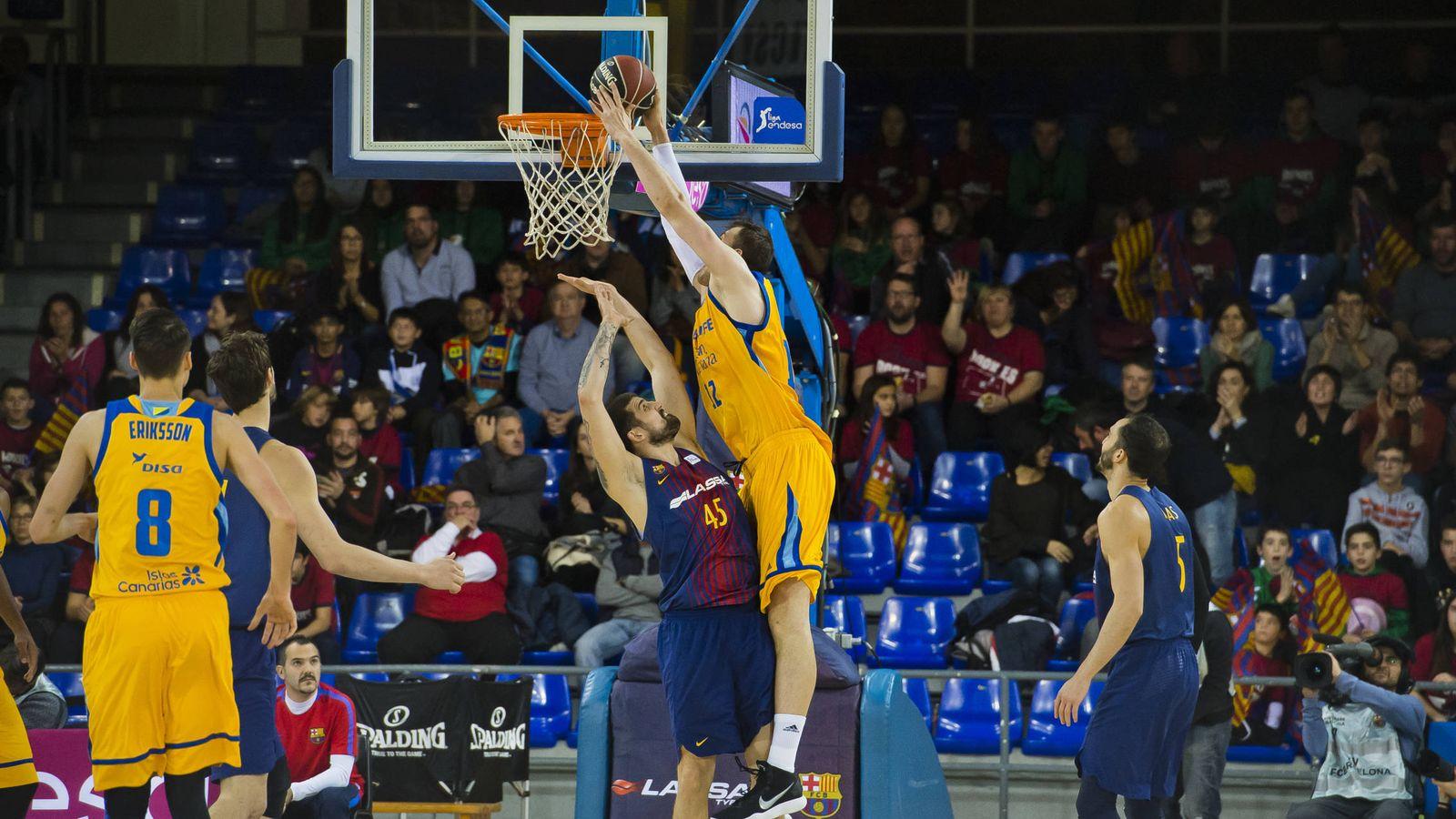 Foto: El Herbalife Gran Canaria ganó con autoridad al FC Barcelona Lassa en el Palau Blaugrana. (ACB Photo/V. Salgado)