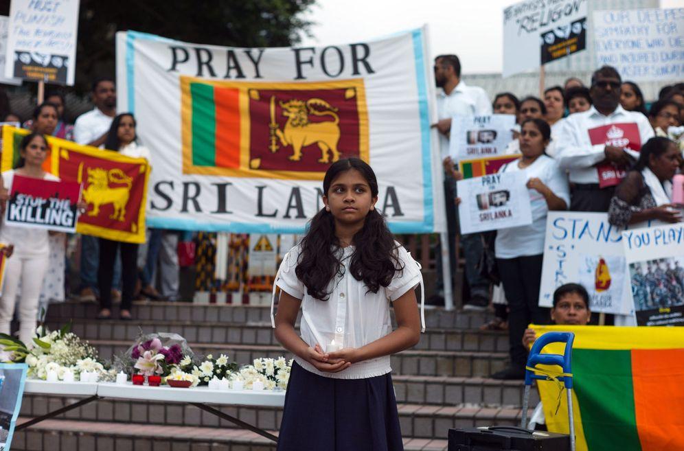 Foto: Vigilia en Hong Kong por las víctimas de los atentados en Sri Lanka. (EFE)