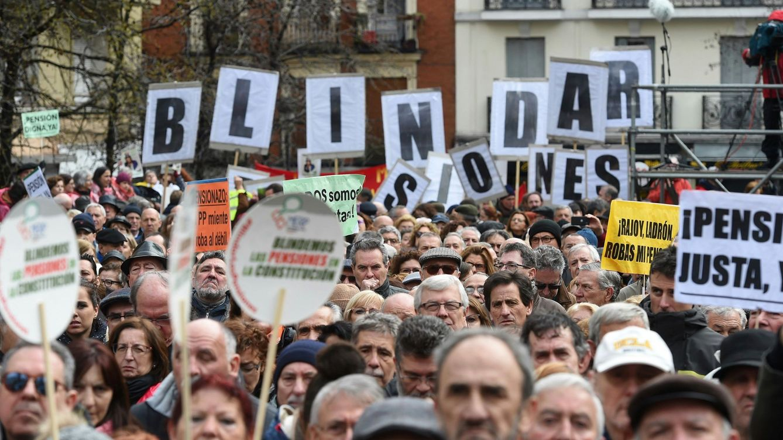 Foto: Manifestación por unas pensiones dignas convocada en Madrid. (EFE)