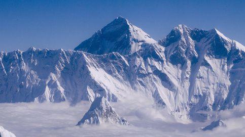 Mueren dos alpinistas, un estadounidense y un suizo, escalando el Everest