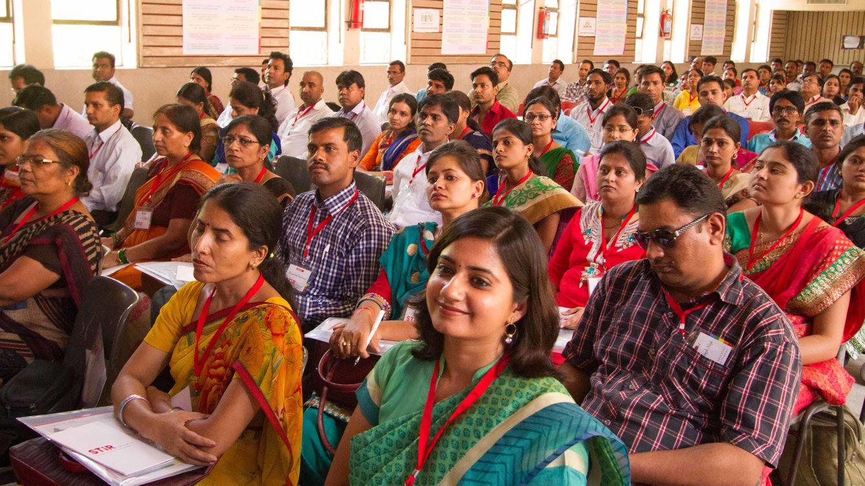 Foto: STIR Education reúne a sus profesores para que intercambien ideas y busquen soluciones a los problemas educativos más acuciantes.