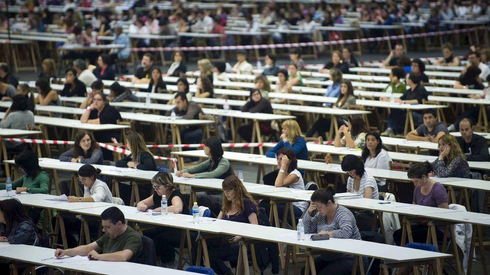 Foto: Los exámenes de las oposiciones requieren intensivas jornadas de estudio (EFE)