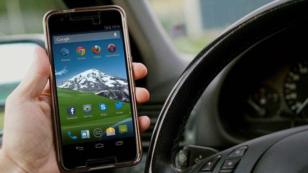 Foto: Tu coche y tu móvil se alían para ofrecerte las mejores experiencias (Pixabay)