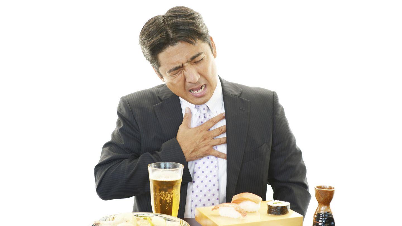 Si eres un poco hipocondríaco puedes confundir su dolor con el de un infarto. (iStock)