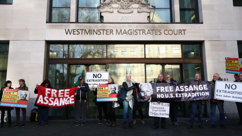 Defensores de Assange se manifiestan a favor de su liberación en una imagen de archivo. (EFE)