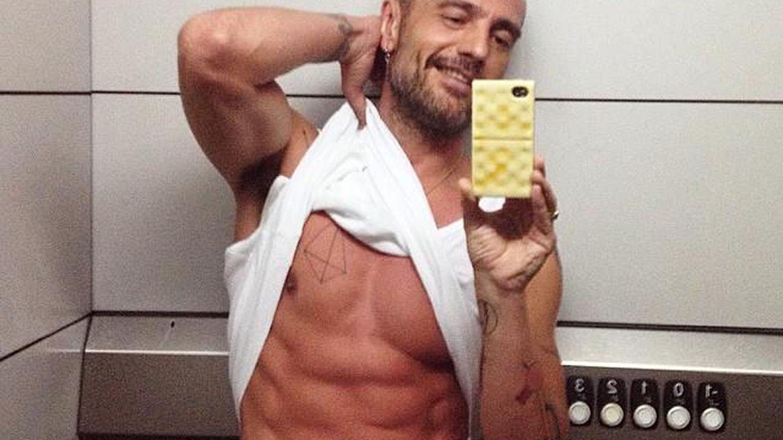 Instagram - David Delfín y su extraña fijación con el ascensor de su casa