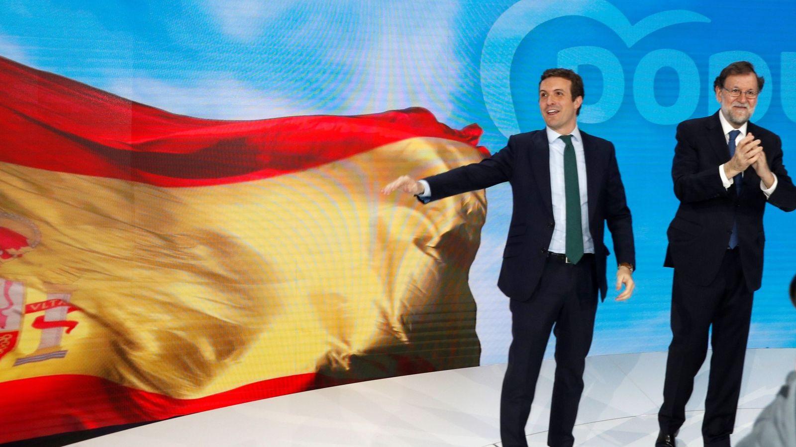 Foto: Pablo Casado y Mariano Rajoy, este viernes en la Convención nacional del PP. (EFE)