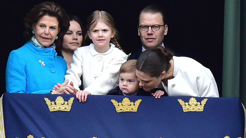 La familia real en el balcón. (Gtres)