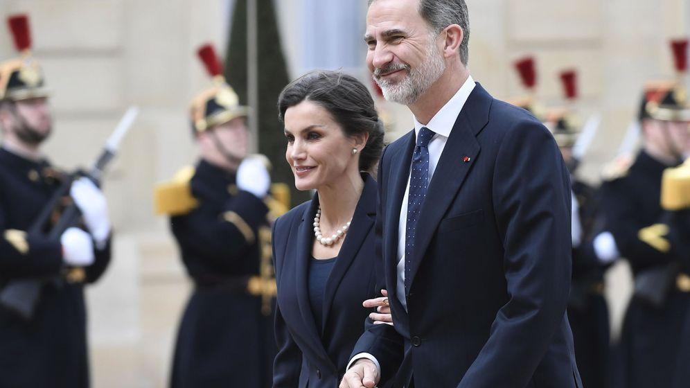 Foto: Los reyes Felipe y Letizia, este miércoles en París. (EFE)