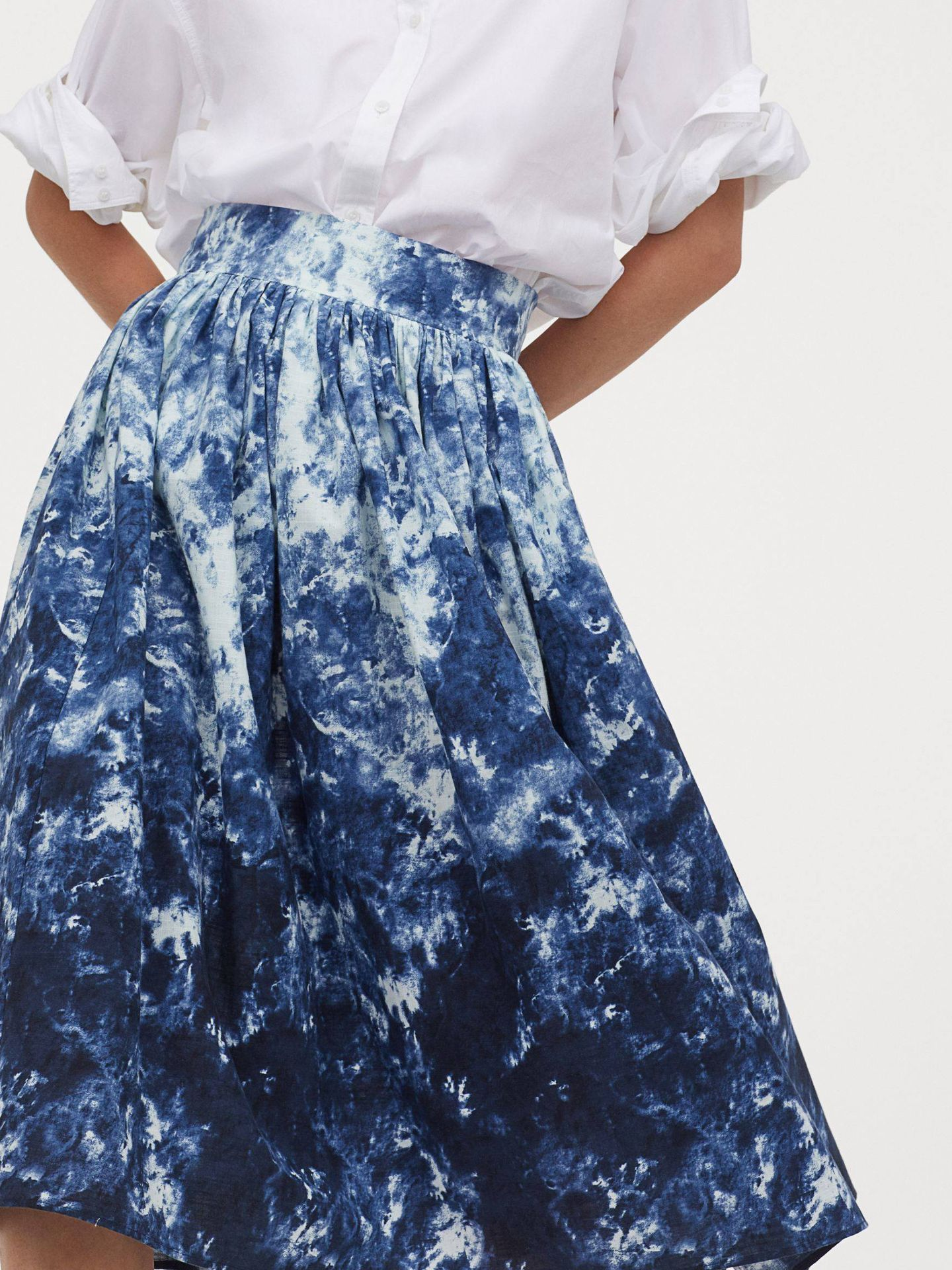 Falda estampada de HyM. (Cortesía)