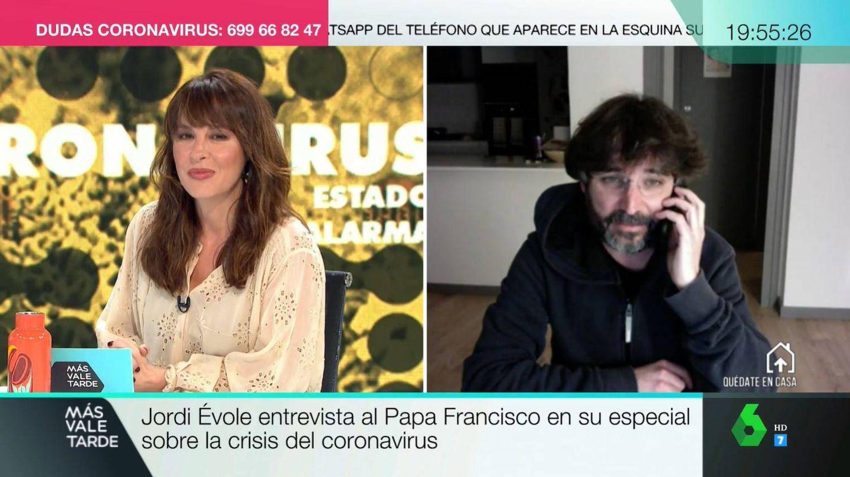 Mamen Mendizabal, en conexión con Jordi Évole. (Atresmedia)