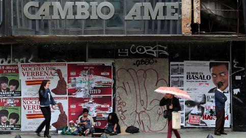 El peso argentino, en mínimos históricos tras el adelanto de la ayuda del FMI
