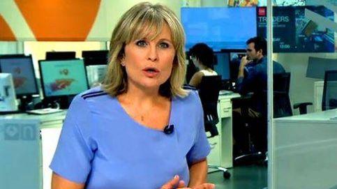 María Rey pierde una lentilla en pleno directo y las redes se le echan encima