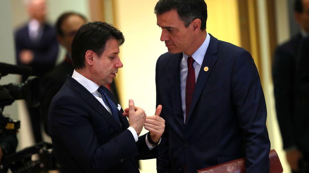 Foto: Giuseppe Conte y Pedro Sánchez. (Reuters)