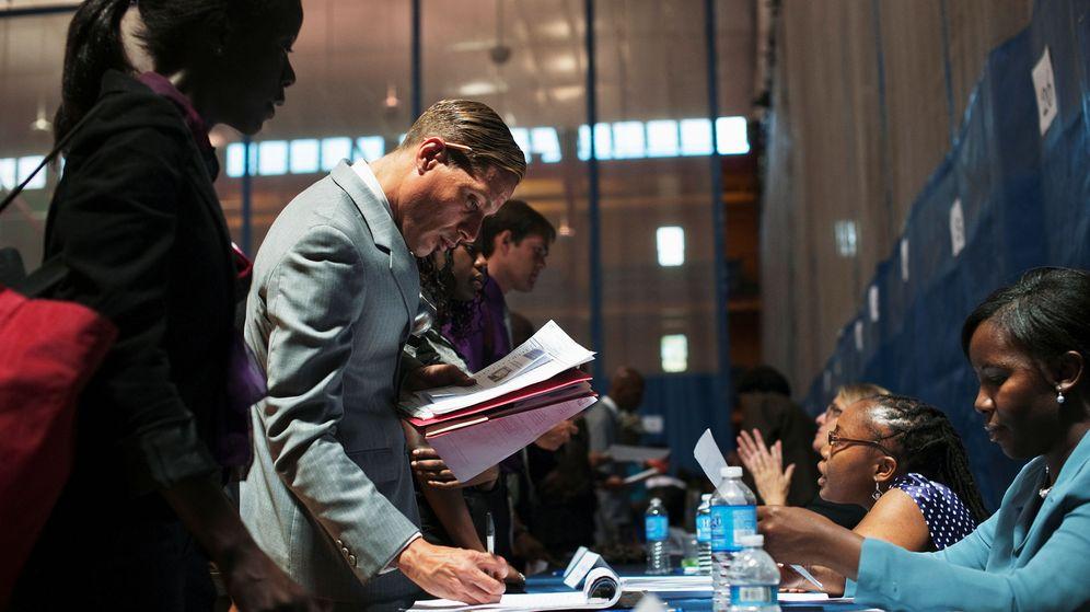 Foto: Ser capaces de llegar hasta la persona encargada de tomar la decisión final es imprescindible para tener éxito (Reuters/Keith Bedford)