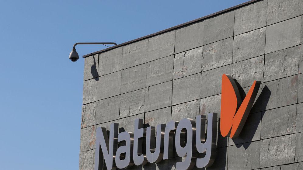 Foto: Logo en la sede de Naturgy de Madrid. (Reuters)