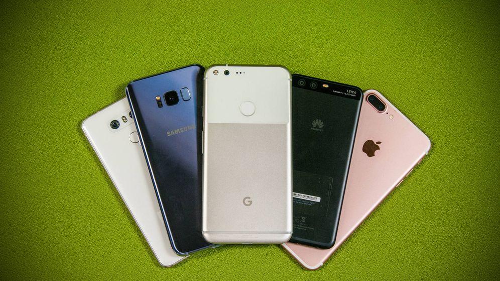 Foto: De izquierda a derecha: LG G6, Samsung Galaxy S8, Google Pixel, Huawei P10 y iPhone 7 Plus. (Carmen Castellón)
