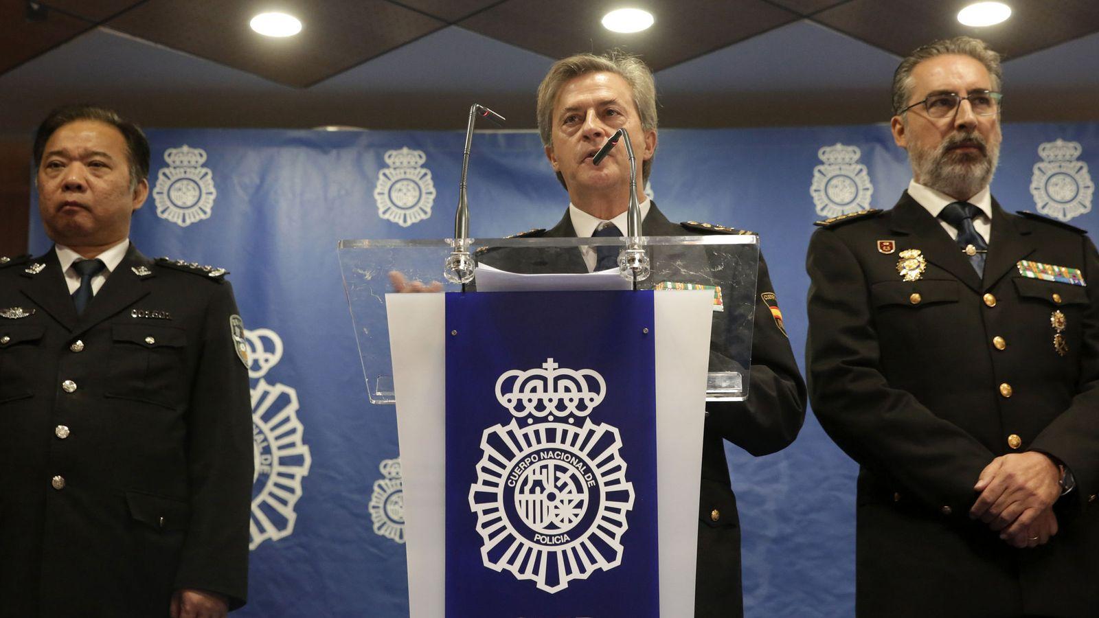Foto: Eloy Quirós durante la rueda de prensa ofrecida para explicar la operación denominada Wall. (EFE)