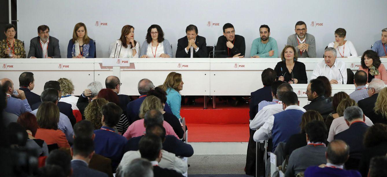 Foto: Panorámica del comité federal de este 1 de abril, en el que se ha aprobado la convocatoria del 39º Congreso. (EFE)