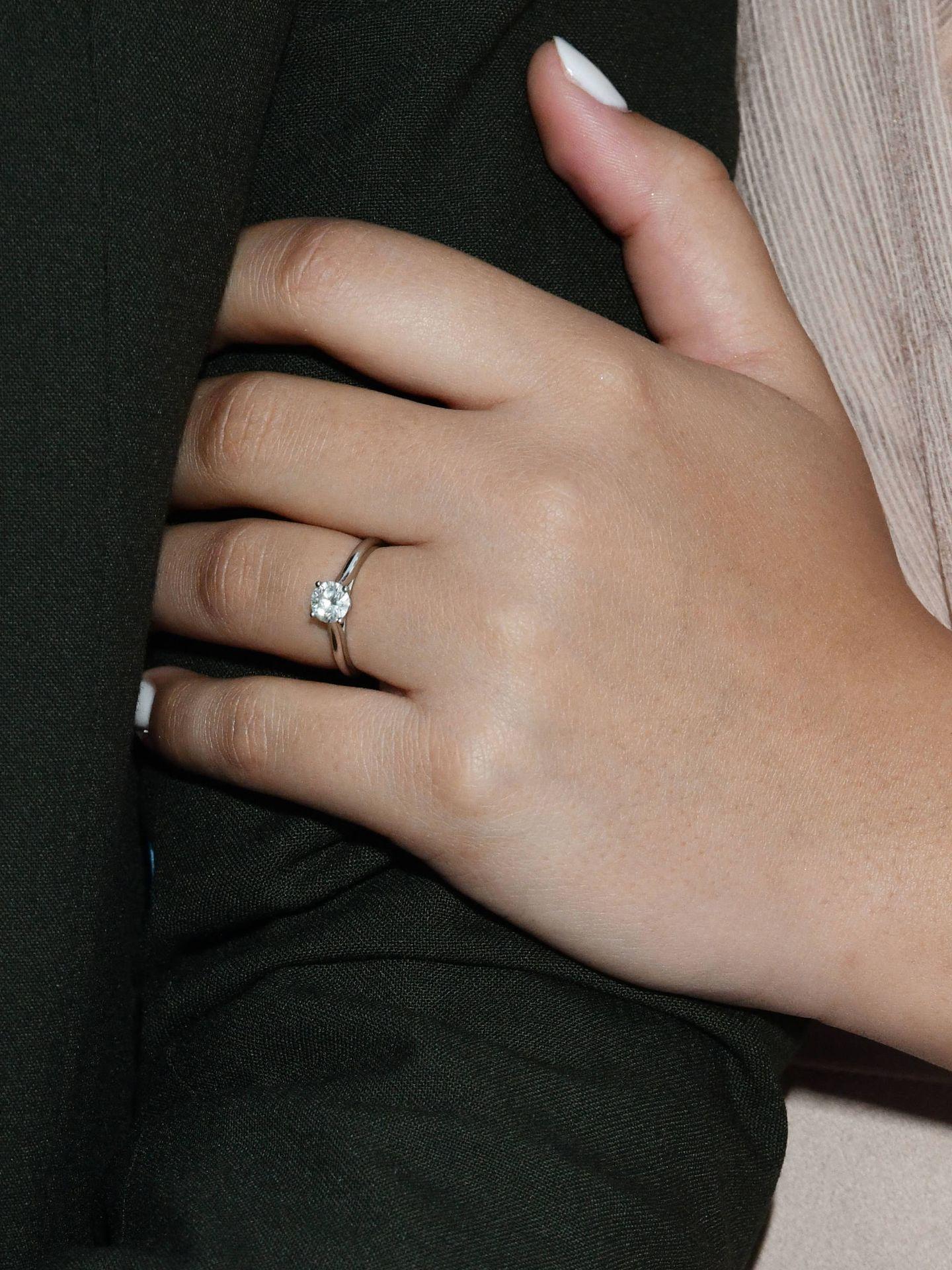 El anillo de compromiso es un solitario con un diamante. (Gtres)