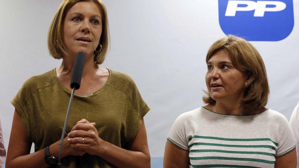 Foto: La secretaria general del PP, María Dolores de Cospedal, con la presidenta regional del PP valenciano, Isabel Bonig. (EFE)