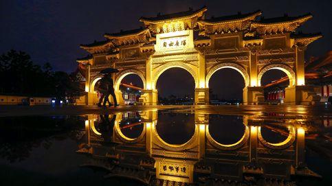 Caen los turistas en Taiwán