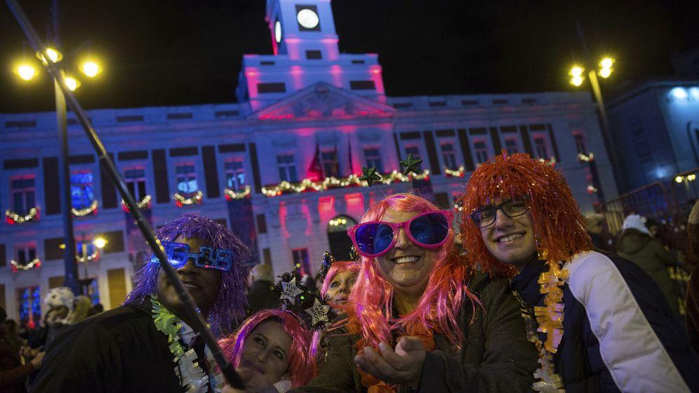Foto: Campanadas de 2017 en la Puerta del Sol. (EFE)