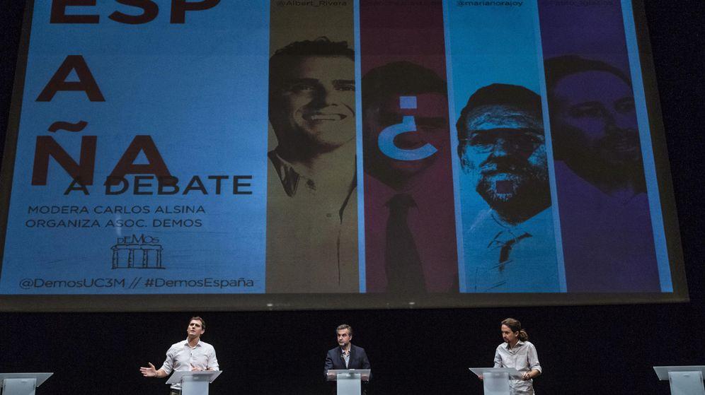 Foto: Albert Rivera, el moderador Carlos Alsina y Pablo Iglesias, en un momento del debate celebrado en la Universidad Carlos III de Madrid. (Efe)