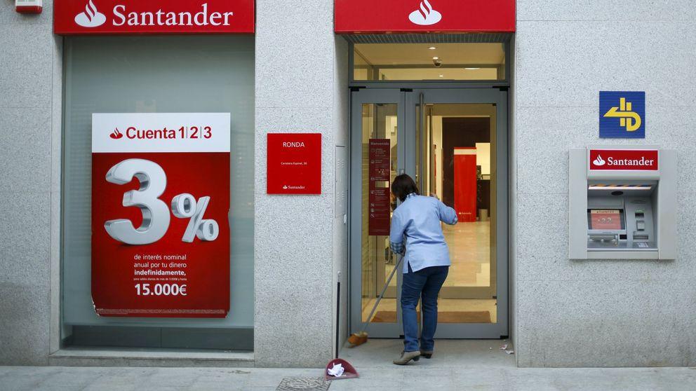 El Santander reduce plantilla y cierra oficinas en el inicio de la reconversión