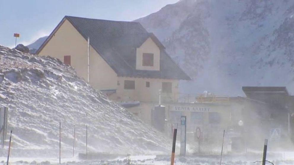 Primeras nevadas en los Pirineos y brusco descenso de los termómetros