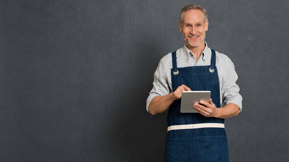Foto: Un camarero 'senior'. (iStock)