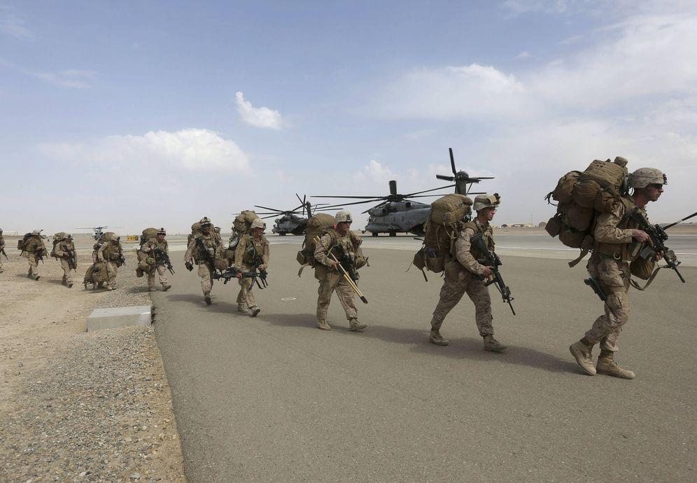 Foto: Marines de EEUU antes de iniciar una operación en la provincia afgana de Helmand, en octubre de 2014. (Reuters)