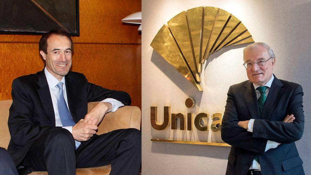 Foto: Manuel Menéndez (izda.), consejero delegado de Liberbank, y Manuel Azuaga, presidente de Unicaja Banco.
