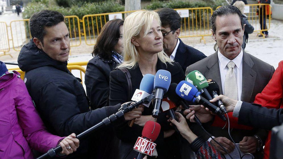 Foto: La actriz Ana Duato declarando ante los medios. (EFE)