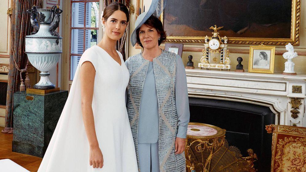 Foto: Sofía Palazuelo y Sofía Barroso, en la boda de la duquesa de Huéscar. (EFE)