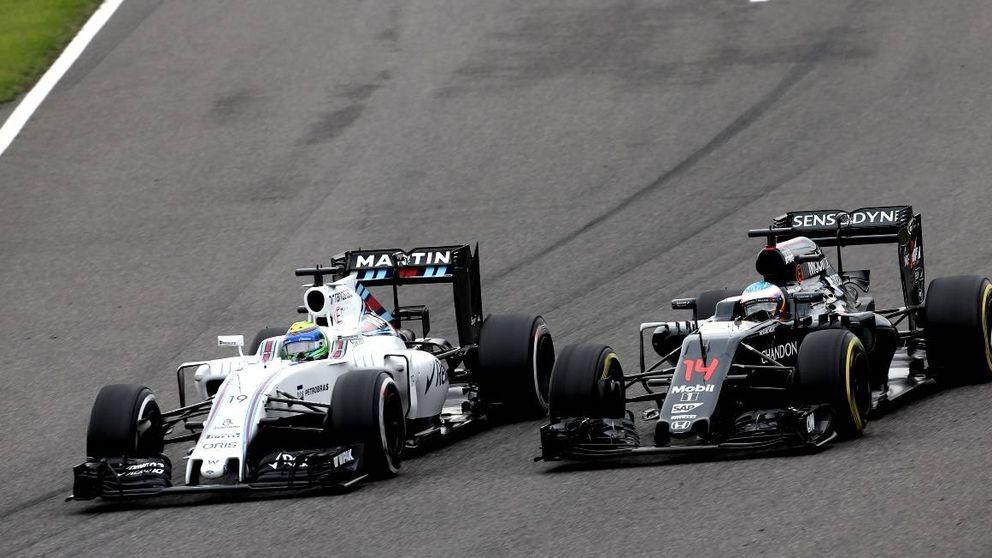 ¿Se pasó tres pueblos Fernando Alonso cuando adelantó a Felipe Massa?