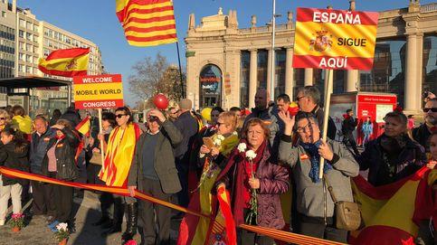 Manolo Escobar y el himno a todo trapo: manifestación a favor del Rey en el Mobile