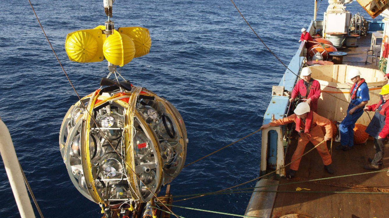 Un telescopio de neutrinos bajo el Mediterráneo para 'cazar' la materia oscura
