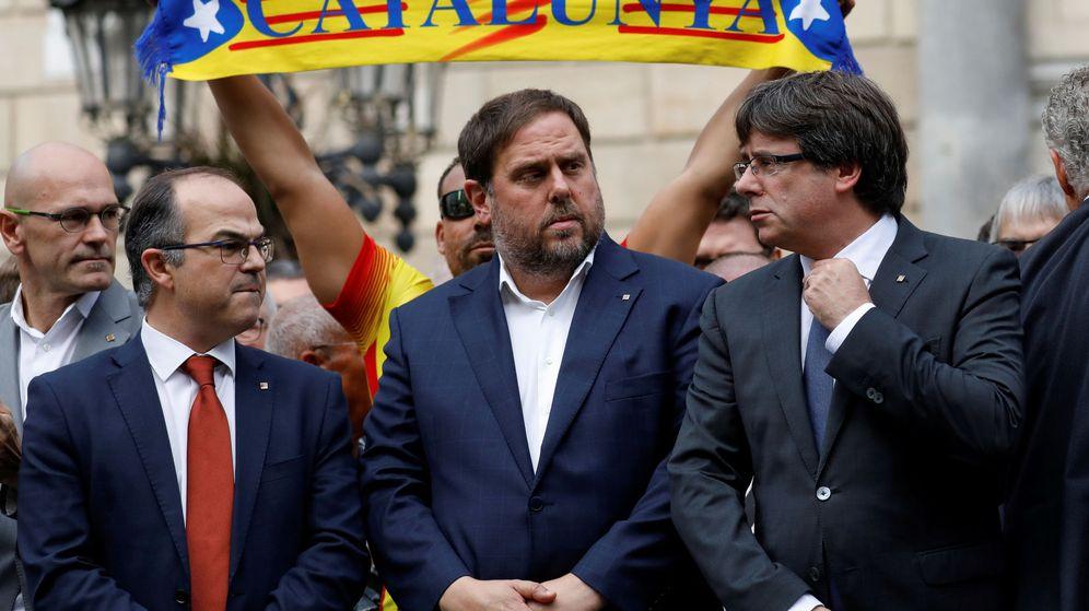 Resultado de imagen de Lo que Puigdemont aprendió de Sharp: las técnicas para destrozar al Estado español
