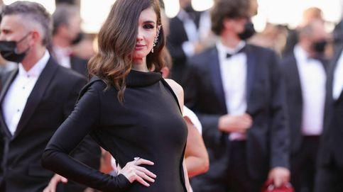 Paz Vega vuelve a pisar con fuerza la alfombra de Cannes: sus looks del blanco al negro
