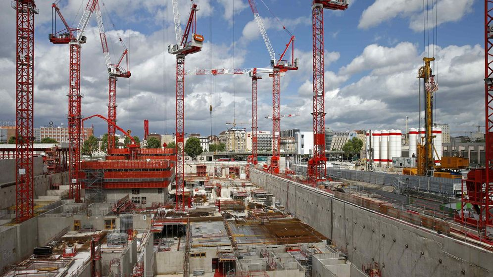 Foto: Imagen de archivo de grúas de construcción. (Reuters)