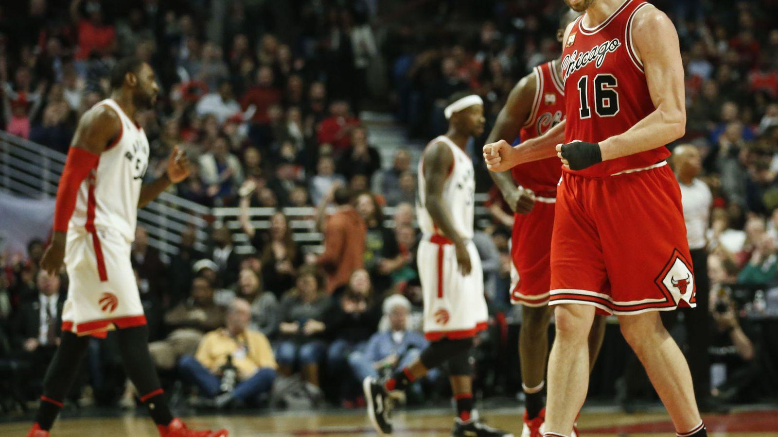 Foto: Pau Gasol fue el líder de los Bulls frente a los Raptors (Efe).