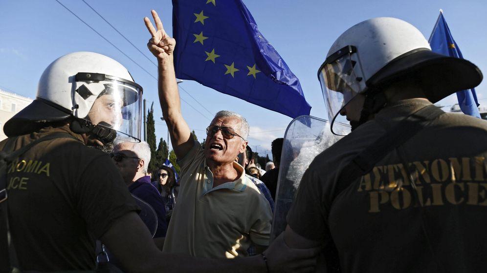 Foto: Imagen de una manifestación proeuropea en Atenas esta misma semana. (EFE)