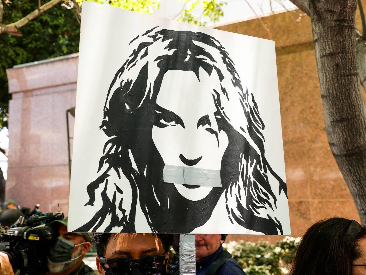 Foto: Manifestantes contra la tutela de Britney Spears. (Getty)