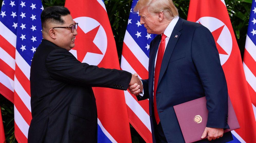 Foto: Trump y King Jong-un durante su histórico encuentro el pasado mes de junio (Reuters)